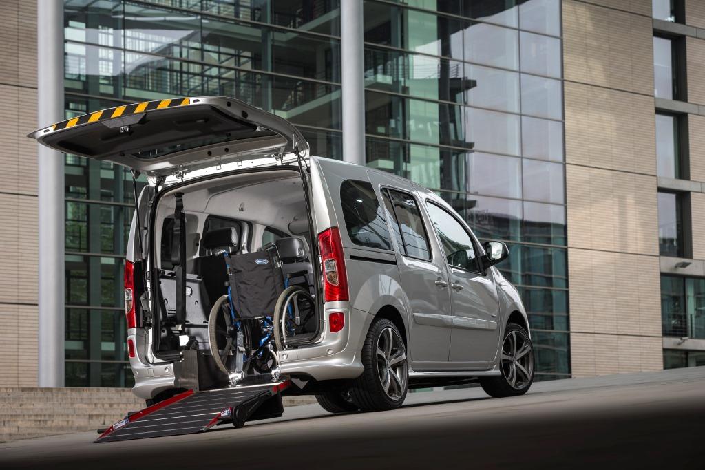 Citan 109 CDI, Rollstuhlbeförderung, Standaufnahme